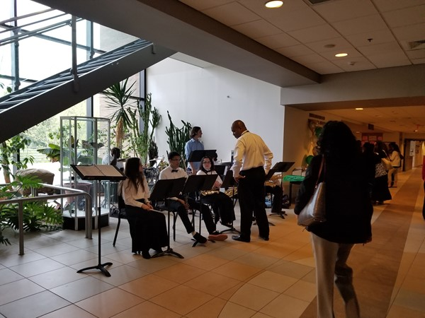 WAMS Jazz Ensemble provided live music.