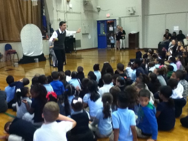 Students enjoy a visit from Shakesperience.