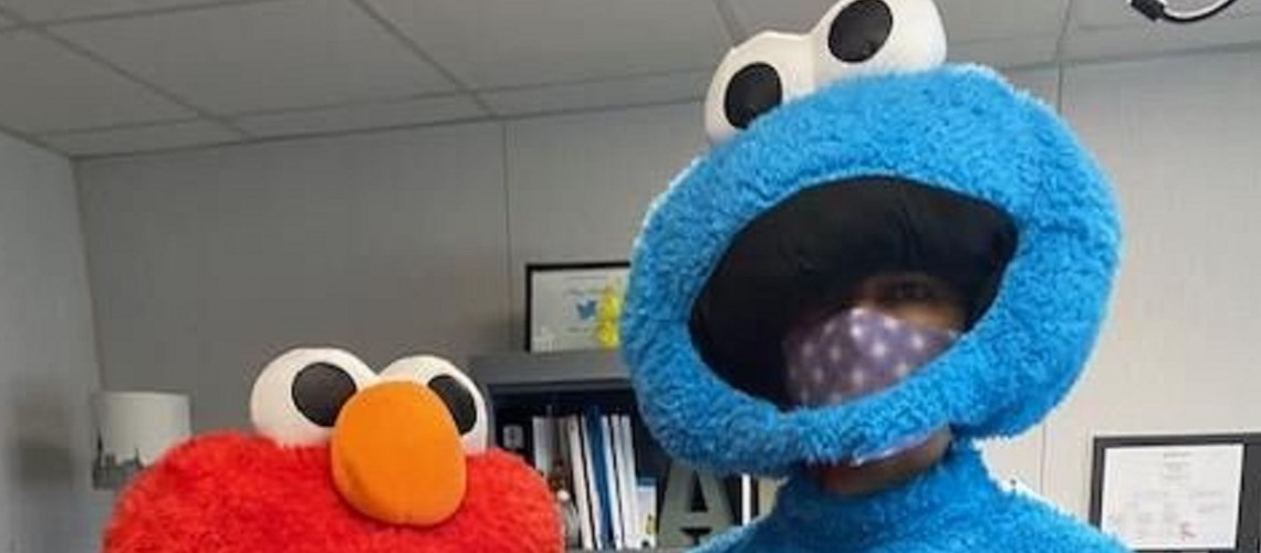 Elmo finds Cookie Monster